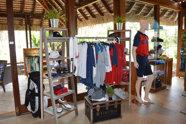 Pro shop at Ile aux Cerfs